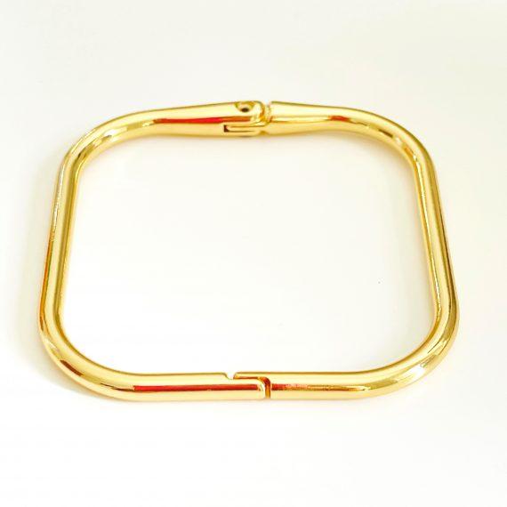 Bracelete Quadrado Tubo Liso Banhado em Ouro